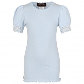 Rosemunde t-shirt heather sky - lyseblå m. blonder